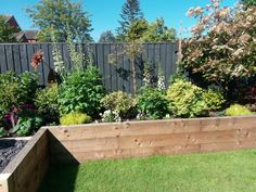 Raised Bed Garden Design, Vegetable Garden Design, Backyard Garden Design, Small Garden Design, Small Courtyard Gardens, Back Gardens, Small Gardens, Outdoor Gardens, Cottage Garden Borders