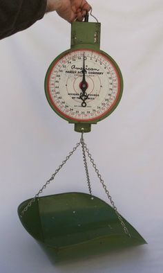 High Quality Vintage Hanging Produce Vegetable General Store Mercantile Kitchen Scale  Green