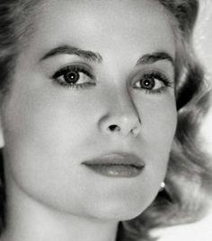 Grace Kelly closeup