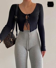 Teen Fashion Outfits, Mode Outfits, Girl Fashion, Girl Outfits, Fashion Looks, Cute Comfy Outfits, Trendy Outfits, Mode Yoga, Outfit Trends