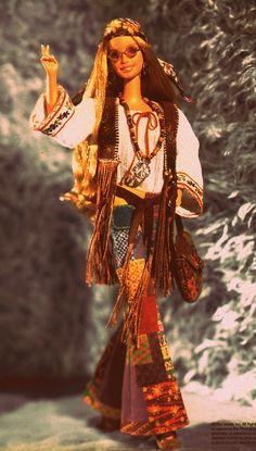 barbie hippie style- a Barbie I would actually buy! 1960s Fashion Hippie, 1969 Fashion, Retro Fashion, Boho Fashion, Fashion Black, Fashion Ideas, Vintage Fashion, Looks Hippie, Hippie Love