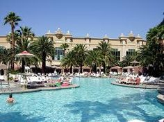 Mandalay Bay Las Vegas pools - paradise