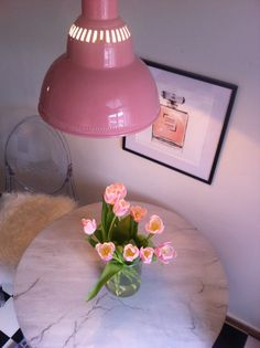 NEW BLOG POST - http://inredningsvis.se/instagram-tulips-rocks-every-room/ Today I show you how to decorate with tullips!   CLICK ON LINK TO VISIT BLOG!  #home #room #house #vogue #elle #interior #homedecor #room #homeandgarden #howto #beautiful #goteborg #inredningstips #inredningsblogg #ikea #pinterestboard #hytteliv #bolig #howto #hemnet #gothenburg #interiordesign #interiorinspiration #interiors #hytteliv #pink #flowers #tulips #tulpaner #tulipinspiration