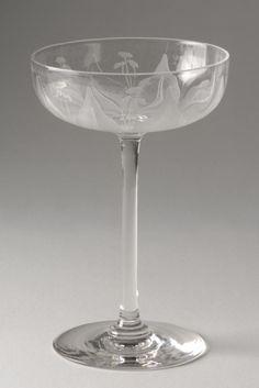 Dorflinger Glass Company, Champagne glass, 1907-21 (source).
