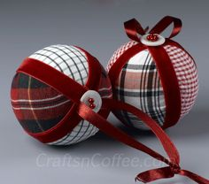 Easy, no-sew fabric Christmas ornaments  made with second-hand shirts!