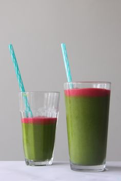 Berry Green Monster Smoothie |