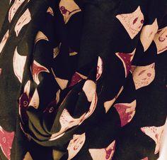 tissu motif oiseaux par telacreationstextiles