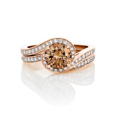 De Beers Caress in Pink Gold with Fancy Coloured Diamond | De Beers