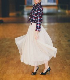 A Blonde Ambition: Savoir-Faire Moment - {Princess Skirt}