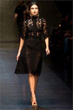 9 fantastiche immagini su Dolce   Gabbana  il vestito siciliano ... ac6c2482145