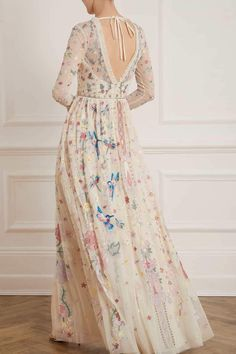 New Season Elements Long Sleeve Gown in Champagne. Shop the Jasmine Hemsley Collection now. Pretty Outfits, Pretty Dresses, Hippie Elegante, Long Sleeve Gown, Long Sleeve Evening Dresses, Moda Boho, Creation Couture, Prom Dresses, Formal Dresses