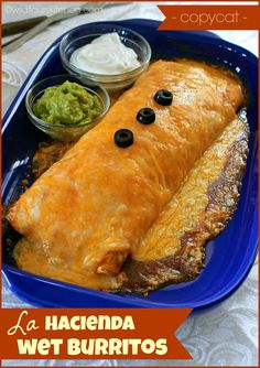 Copycat Hacienda Wet Burritos (Shredded Pork, Beef, Chicken or Ground Beef) - Wildflour's Cottage Kitchen - - Back where we lived in NW Indiana, there is a small restaurant chain called,. Mexican Dishes, Mexican Food Recipes, Beef Recipes, Cooking Recipes, Ethnic Recipes, Shredded Pork Recipes, Dinner Recipes, Mexican Desserts, Gastronomia