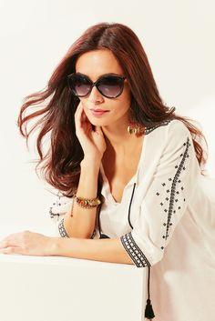 L esprit bohème d une blouse brodée associé au chicissime blanc cassé et  noir 427ac4b4bcf