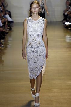 Altuzarra Spring 2016 Ready-to-Wear Fashion Show - Ine Neefs
