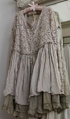 Dans mon Jardin Secret, il y a. — umla: (via cute dress Look Boho, Bohemian Style, Boho Chic, Boho Outfits, Dress Outfits, Vintage Outfits, Vintage Dress, Shabby Chic Mode, Look Fashion