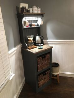 34 Interesting Diy Mini Coffee Bar Design Ideas For Your Home. If you are looking for Diy Mini Coffee Bar Design Ideas For Your Home, You come to the right place. Here are the Diy Mini Coffee Bar Des. Coffee Bars In Kitchen, Coffee Bar Home, Home Coffee Stations, Coffee Bar Ideas, Coffe Bar, Office Coffee Station, Small Apartment Storage, Small Apartments, Small Spaces