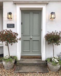 Front Door Paint Colors, Painted Front Doors, Front Door Decor, Front Door Makeover, Exterior House Colors, Exterior Doors, Entry Doors, Entrance, Victorian Front Doors