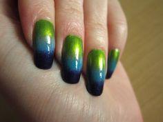 parrot nail art sponge technique
