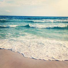 Erfrischung gefällig? #sommer #genussvollemomente #meer #strand #eis