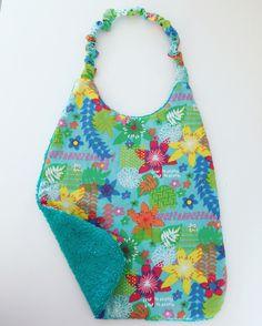 """""""Bavette"""" la coquette serviette en tissu pour enfant et bébé : Mode Bébé par bazaracaro"""