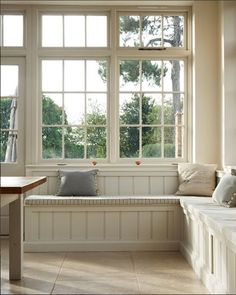 Dijon tumbled limestone—window seat classic style kitchen by floors of stone ltd classic Booth Seating In Kitchen, Corner Bench Seating, Banquette Seating In Kitchen, Dining Room Bench Seating, Built In Seating, Kitchen Benches, Dining Nook, Küchen Design, House Design