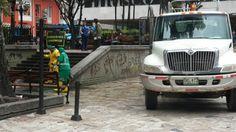 4/03/14 11:00  Intervención de los sumideros del Parque Santander entre Acueducto y Aguas de Bogotá, gestión que se inicio por gestión Social desde la mesa de parques.