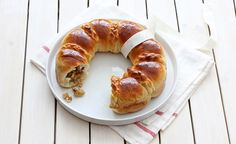 Apples filled challah wreath