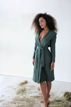 Elegant and comfy linen bathrobe by Black Ficus Summer Gowns, Linen Jackets, Black Linen, Linen Dresses, Beautiful Black Women, Stylish Dresses, Natural Linen, Ethical Fashion, Lounge Wear