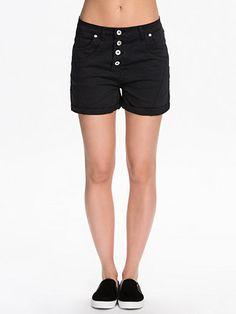 Muba Shorts - Sisters Point - Svart - Byxor & Shorts - Kläder - Kvinna - Nelly.com