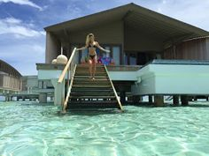 Maldives Holiday Tour: Bikini-clad joins her bachelorette party in the Maldives