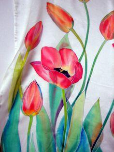 Tulipes foulard châle en soie peinte à la main blanc soie peint Floral châle en soie batik accessoires femmes foulards cadeau d'été pour elle de peint à la main  taille 79 x 17 200 cm par 42 cm  Magnifique écharpe en soie satin, réalisé dans la technique sur batik froid. Lauteur peint en technique de batik froid sur soie naturelle satin. Peint par des peintures spéciales qui ne lavez pas et fixe la vapeur. Écharpe de bord soigneusement suturée manuellement.  Laver à la main délicat détergent…