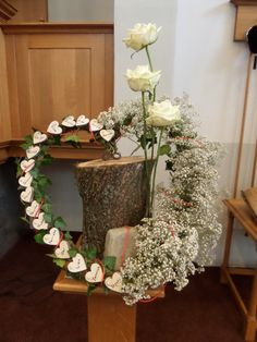 1 million+ Stunning Free Images to Use Anywhere Altar Flowers, Church Flower Arrangements, Funeral Arrangements, Wedding Centerpieces, Wedding Decorations, Table Decorations, Church Wedding Flowers, Easter Specials, Ring Pillow Wedding