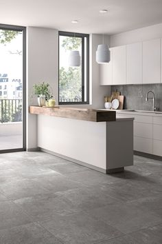 Modern in the kitchen with gray # tiles # entrance area inside - More modern in the kitchen with gray # entrance area house interior The Effective Pic - Kitchen Tiles Design, Modern Kitchen Design, Interior Design Kitchen, Tile Design, Home Decor Kitchen, Home Kitchens, Modern Floor Tiles, Grey Tiles, Cuisines Design