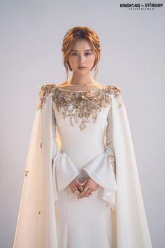 Elegant Dresses, Pretty Dresses, Beautiful Dresses, Ball Dresses, Ball Gowns, Prom Dresses, Blue Evening Dresses, Dream Wedding Dresses, Fantasy Gowns