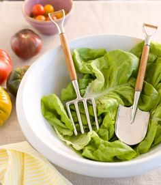 0 funny cooking ustensil - ustensile de cuisine rigolo  - garden inspired salad tongs.