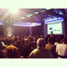 Llenazo total en la conferencia de Jorge Salgado. Secretos y mentiras del retoque fotográfico.
