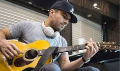 7 Stand-Out Acoustic Performances from Sam Hunt