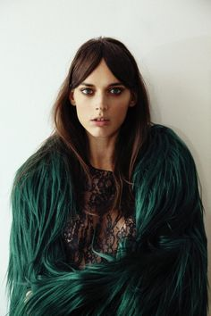 black lace+turquoise fur///  the eye makeup