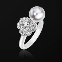 White gold Pearl Diamond Ring - Piaget Luxury Jewellery G34UU100