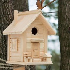 Wooden Bird Houses, Bird Houses Diy, Fairy Houses, Unique Woodworking, Woodworking Projects, Wood Pallet Recycling, Wooden Toy Cars, Bird House Feeder, Bird House Plans