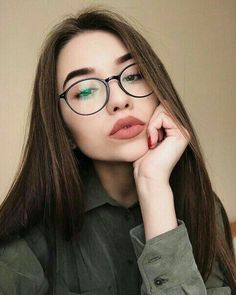 Pinterest | soophiaaa8 #girl #glasses