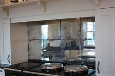 Mirrored Kitchen Splashbacks - Saligo Design presents a stunning collection of Mirrored Kitchen Splashbacks for decoration or art Mirror Wall Tiles, Mirror Splashback, Mirrors, Splashback Ideas, Mirror Glass, Bistro Kitchen, Kitchen Redo, Kitchen Design, Diy Tile Backsplash