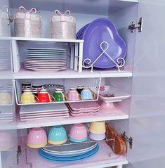 Kitchen Organization Pantry, Organization Hacks, Kitchen Storage, Storage Spaces, Kitchen Room Design, Kitchen Decor, Kitchen Modular, Ideas Hogar, Dining Nook