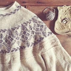 Ravelry: Pam pattern by Junko Okamoto Fair Isle Knitting, Knitted Bags, Beautiful Patterns, Ravelry, Needlework, Crafty, Blanket, Sewing, Crochet