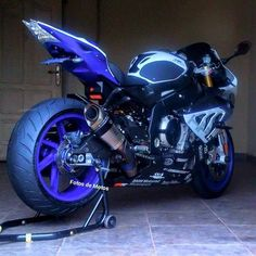 Nice BMW 2017: BMW 1000RR... BMW Check more at http://carsboard.pro/2017/2017/01/12/bmw-2017-bmw-1000rr-bmw/