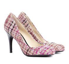 Round toe heel with fabric finish.