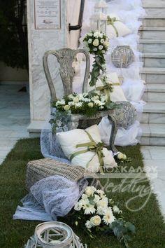 ΚΗΠΟΣ ΚΑΛΟΥ στο www.GamosPortal.gr #anthostolismos gamou #ανθοστολισμός γάμου Flower Decorations, Wedding Decorations, Table Decorations, Wedding Ideas, Ladder Decor, Rustic Wedding, Garden Sculpture, Tent, Wedding Flowers