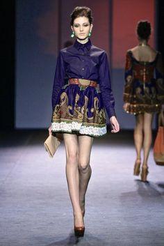 Taibo Bacar - Mercedes-Benz Fashion Week Africa 2012    Credits : SDR Photo.