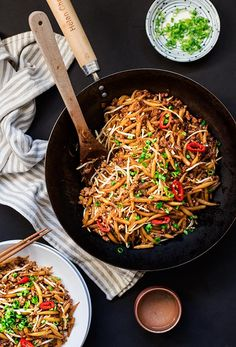Malaysian Lo Shu Fun (Fried Rice Noodles) - Malaysian's favorite street noodles on the table in less than 15 minutes. Fried Rice Noodles, Asian Noodles, Asian Noodle Recipes, Asian Recipes, Ethnic Recipes, Tasty Noodles Recipe, Malaysian Food, Malaysian Recipes, Asian Cooking