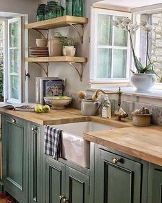 51 Green Kitchen Designs - Each of us has different needs and m . - 51 Green Kitchen Designs – Each of us has differe Kitchen Redo, Home Decor Kitchen, Kitchen Interior, New Kitchen, Home Kitchens, Kitchen Remodel, Kitchen Cabinets, Green Cabinets, Awesome Kitchen